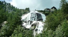 vacanze sul Lago Maggiore a Villanuvola: la cascata del Toce